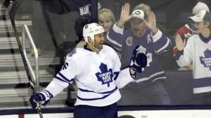 Daniel Winnik - Toronto Maple Leafs