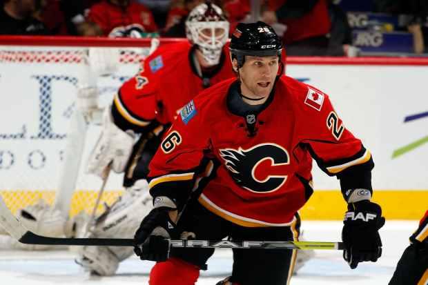 Calgary Flames Dennis Wideman