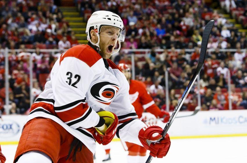 Forward Kris Versteeg traded to LA